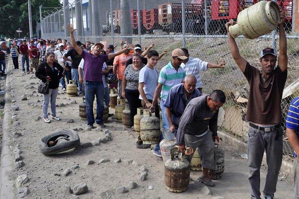 Brasil - Venezuela crisis economica - Página 20 DchCl5CWAAEeAOI